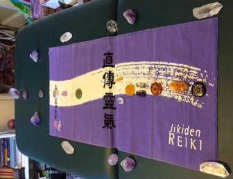 Jikiden Reiki banner with crystals